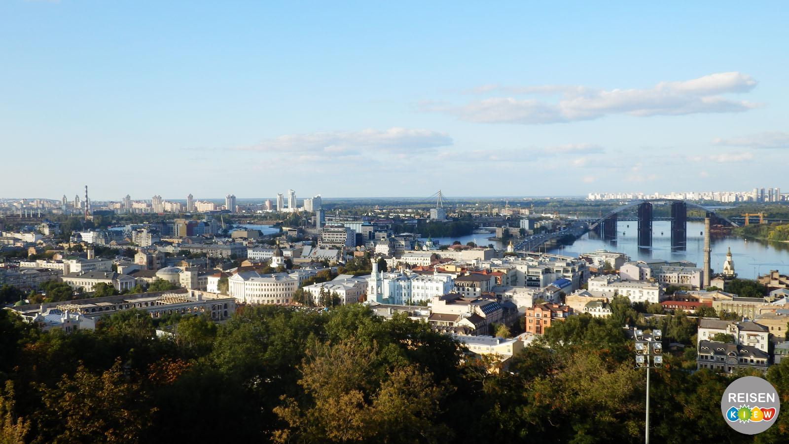 Panoramablick von der Andreaskirche in Kiew