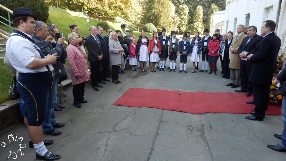 Die feierliche Eröffnung der Gedenktafel für E.R. von Trautvetter und J.H. Hochhuth