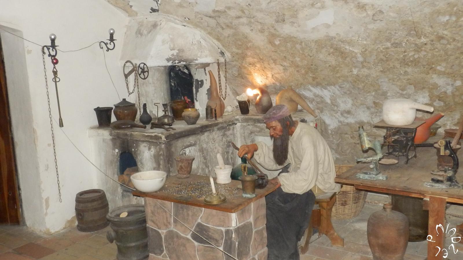 Der Alchimie-Saal im Apotheke-Museum in Kiew