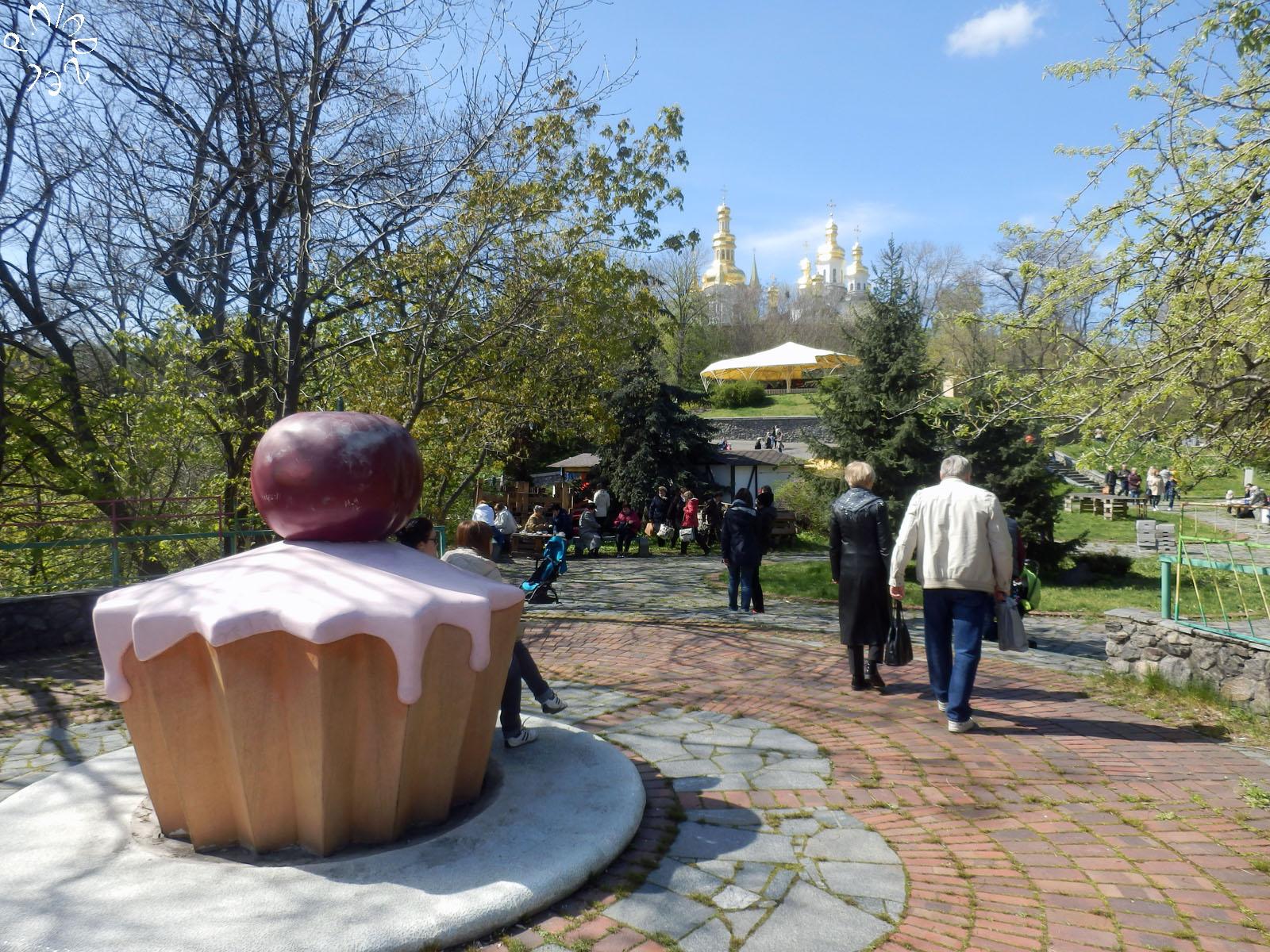 "Streetart-Skulptur ""Der große Backtournier"""