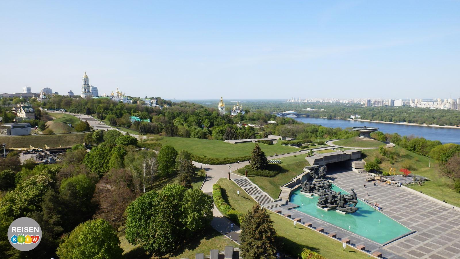 Panoramablick von der Mutter-Heimat-Statue in Kiew