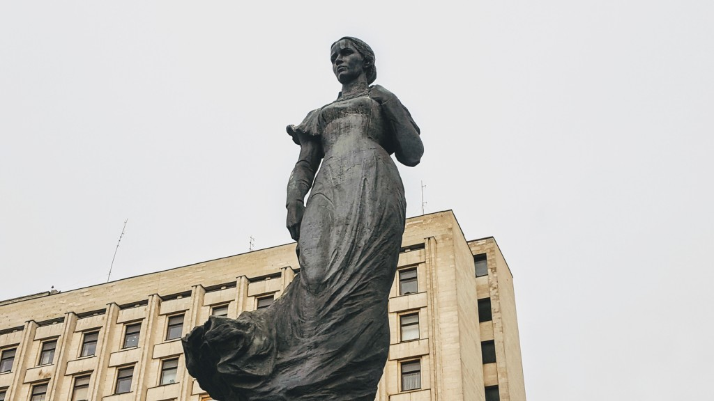 Lesja-Ukrajinka-Denkmal am Lesja-Ukrajinka-Platz